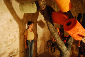18-Gloria-Campriani-I-nuovi-prigionieri-installazione-Palazzo-Pretorio-prigione-conica-maschile-Certaldo-Firenze-2010.-1024x685